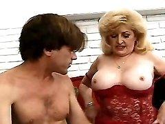 Free mom porn tube movie