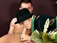 Date with grandma ends with blowjob