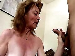 Old slut serves clients