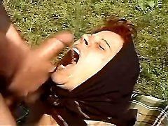 Country mom eats hot cum