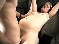 Amateur guy drills chubby granny