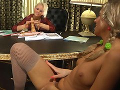 Susanna&Nora mature lesbian video