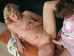 Emilia&Ninette pussyloving mature on video