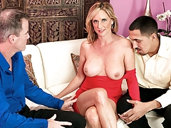 Employee Bone-us: Its A Threesome For Jodi!
