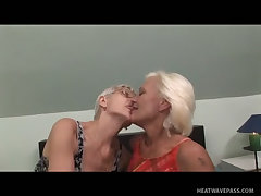 Rest home grannies have a hot 69 fuck